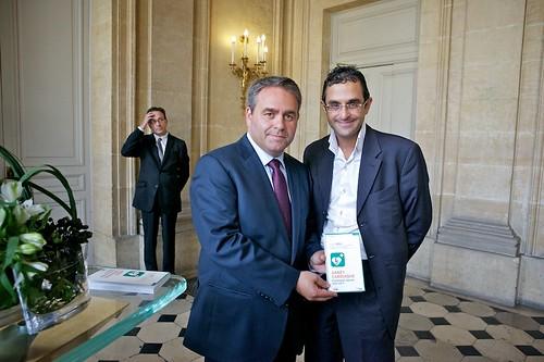 Xavier Bertrand (Ministre du Travail, de l'Emploi et de la Santé) et Arash Derambarsh