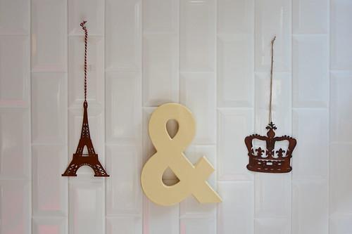 Tour Eiffel et couronne