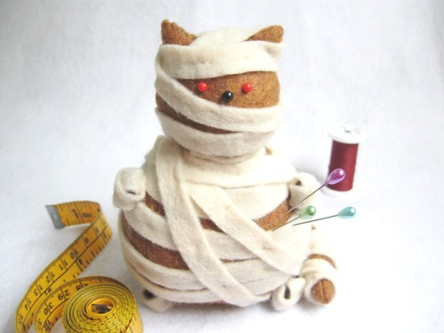Halloween Mummy Cat Pincushion Kitty-Hotep