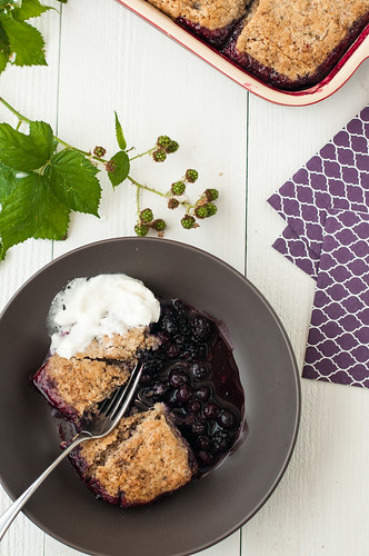 Blackberry-Blueberry Cobler with Walnut Biscuits | by 3liz4