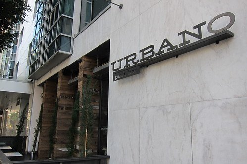 Urbano Pizza Bar: Exterior
