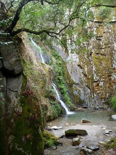 portugal walking pena serra senderismo fraga beira cascata trilho pr1 caminhadas arganil açor xisto benfeita ilustrarportugal