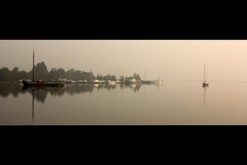 lake netherlands sunrise reflections boats boot boat meer yacht nederland boten yachts waveform uitgeest uitgeestermeer jacht zonsopkomst jachten uitgeesterenheemskerkerbroekpolder