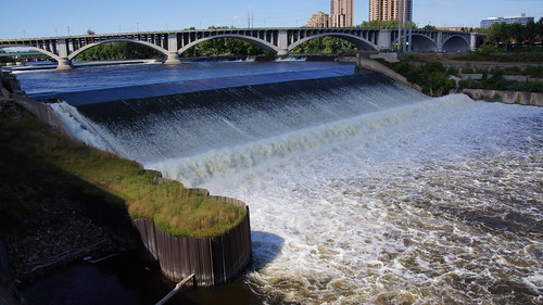 St. Anthony Falls Lock & Dam Tour with Mill City Commons