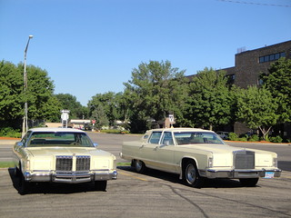 78 Chrysler New Yorker Brougham & 77 Lincoln Continental Town Car