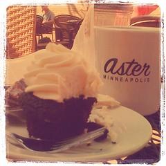 Cupcakes and coffee. #yummm