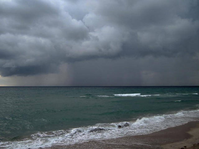 Dark Sky --- Dark Sea