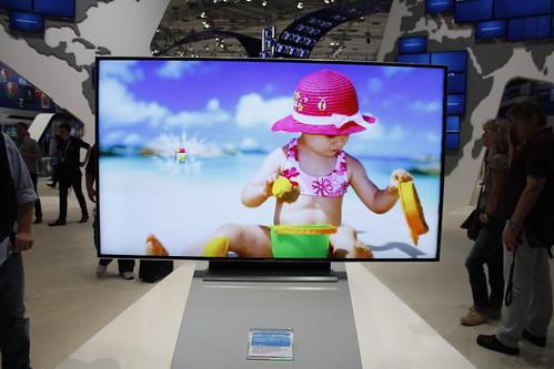"Samsung D9500 - 75"" LED 3D TV"