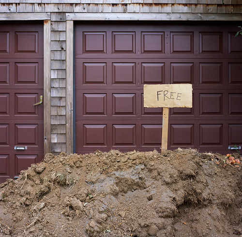 Free dirt by Zeb Andrews on Flickr