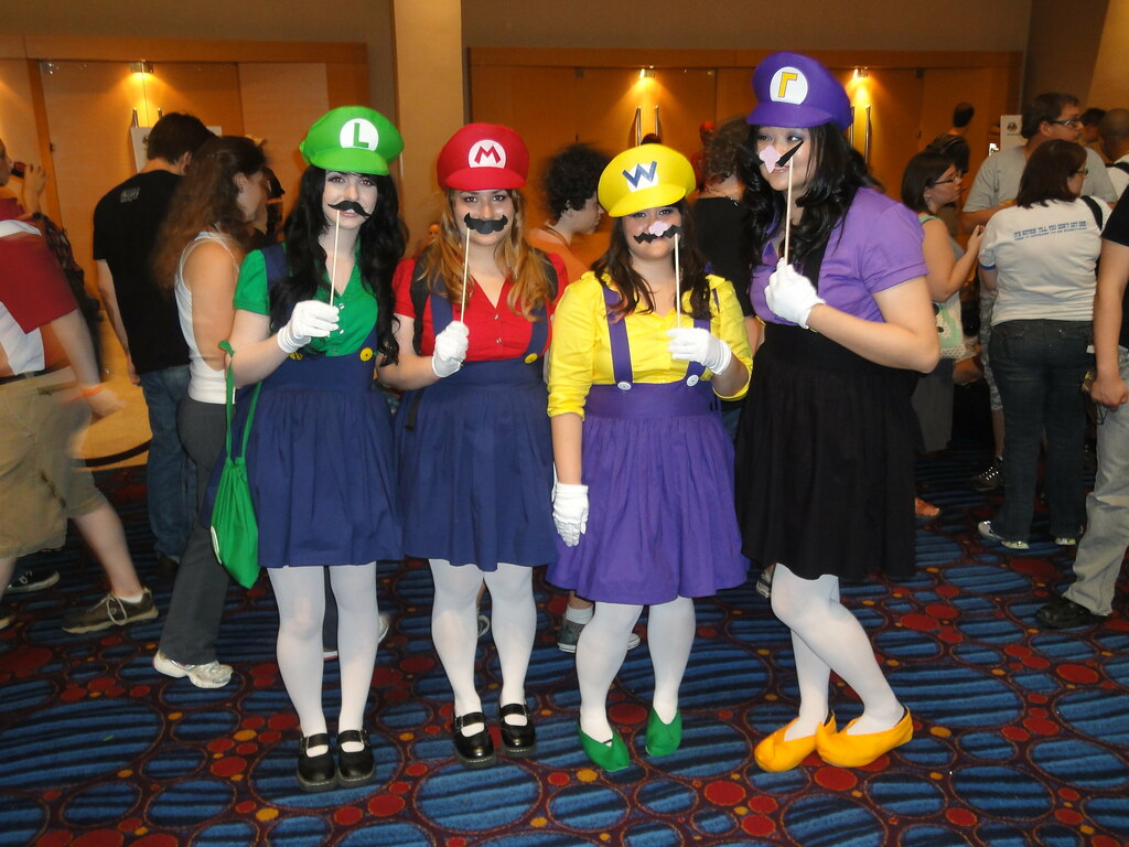 Female Wario Costume
