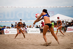 football(0.0), beach handball(0.0), luxury vehicle(0.0), volleyball player(1.0), ball over a net games(1.0), volleyball(1.0), sports(1.0), competition event(1.0), team sport(1.0), ball game(1.0), beach volleyball(1.0),
