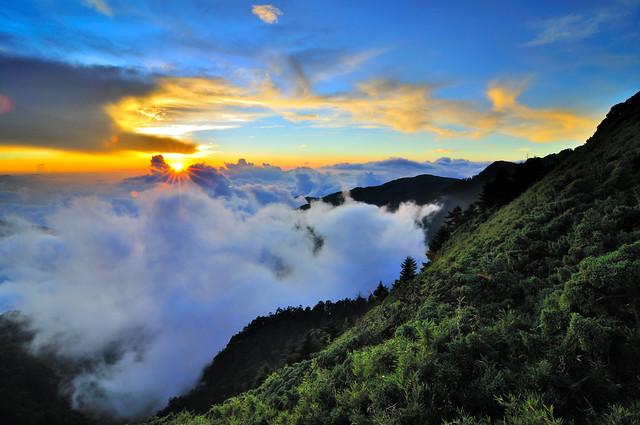 Sunset in Mt.Hehuan 合歡夕照雲海