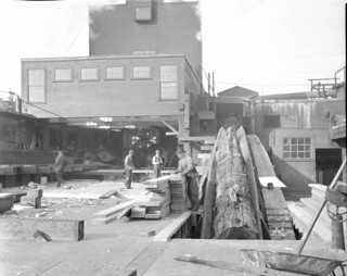 Lumber mill workers, 1915