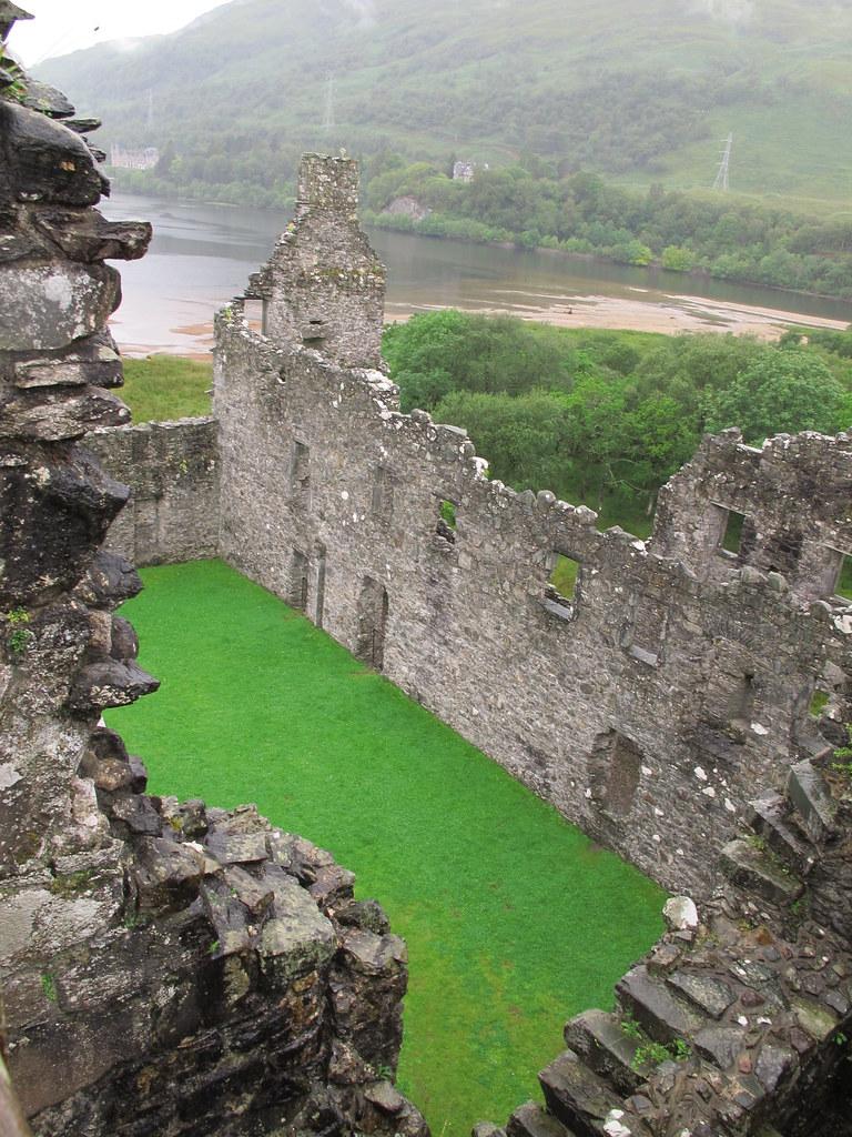 Kilhurn Castle