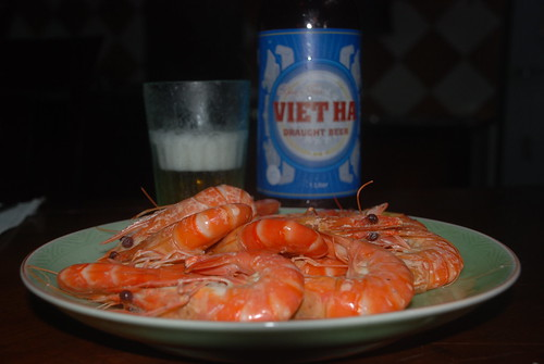Steamed prawns with beer