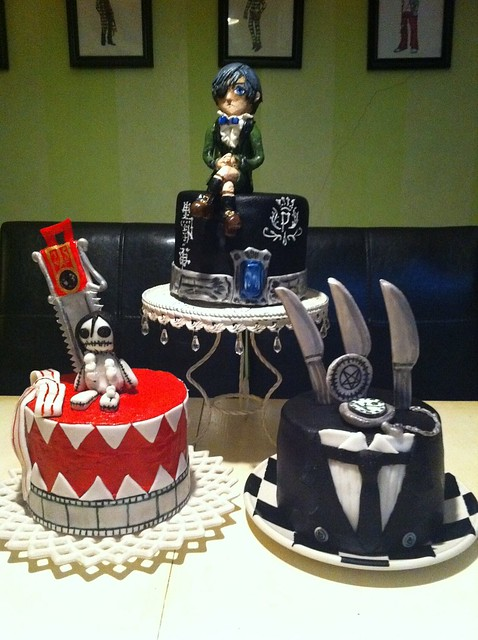 Black Butler Kuroshitsuji birthday mini cakes | Flickr ...