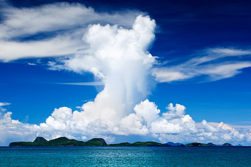 blue cloud green rain shower grenada tropical caribbean grenadines stpatrick atomic carriacou leverabeach stpatrickgrenada isleduronde