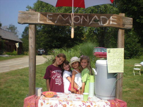 Cutie-pies at a lemonade stand