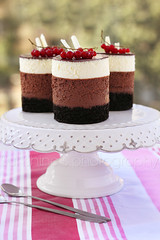 Triple chocolate mousse mini cakes