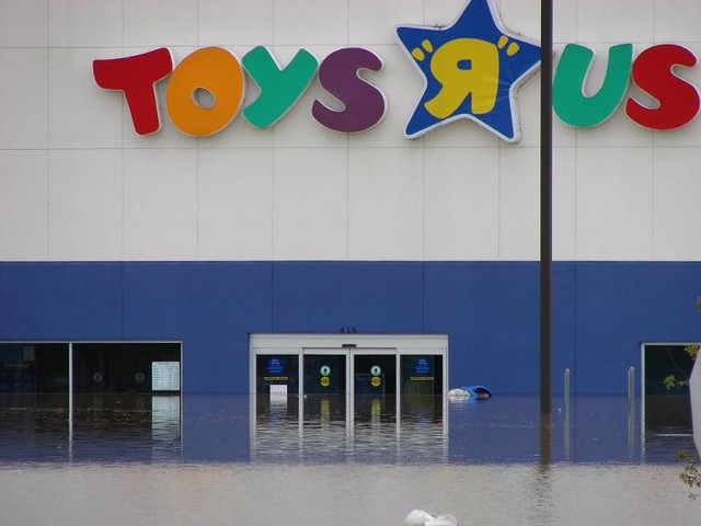 Toys Quot R Quot Us : Flooding at my toys quot r us so where i live in bin