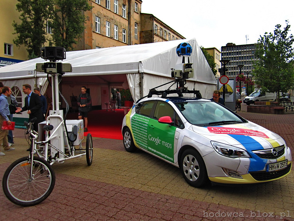 Google Street View bike & car on Piotrkowska Street