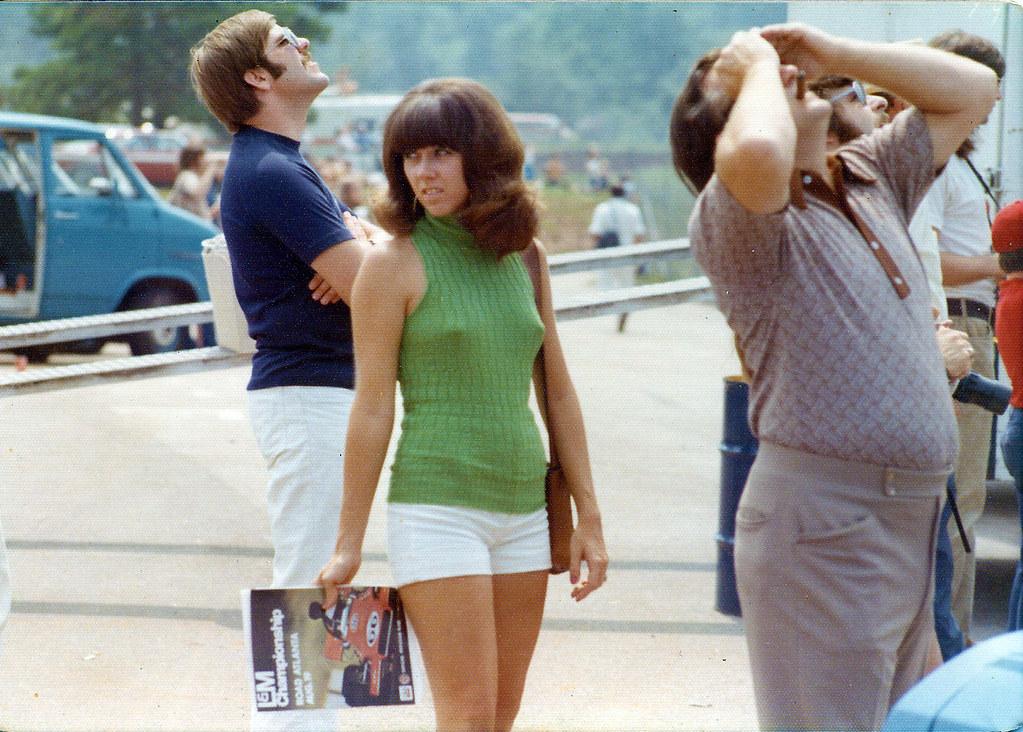 Retrospace: Vintage Style #32: She Wears Short Shorts
