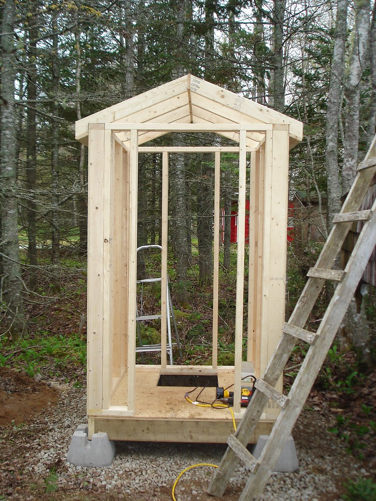how to build a outhouse