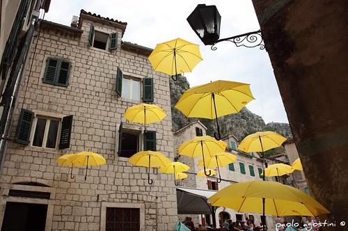 lamp yellow umbrella giallo onceuponatime marypoppins carnevale montenegro kotor ceraunavolta ombrelli dedicata nardino colorphotoaward supercontest