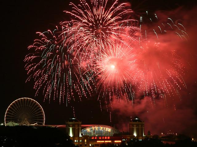 2011 Navy Pier Summer Fireworks 1/2