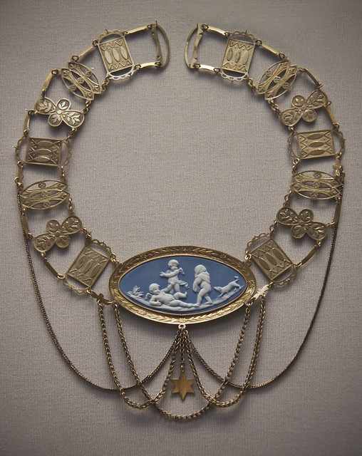 Festoon necklace with Wedgwood or Meissen  cameo, German, early mid 19th