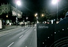 dérive - Society for Urban Research