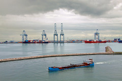 freight transport(0.0), jackup rig(0.0), dredging(0.0), port(1.0), vehicle(1.0), ship(1.0), sea(1.0), bay(1.0), harbor(1.0), channel(1.0), watercraft(1.0), container ship(1.0),