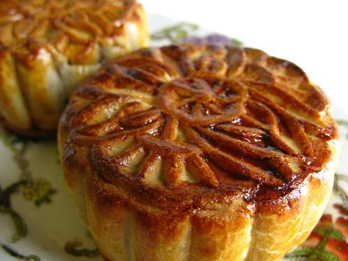 Traditional Mooncake - Lotus Paste and Salted Egg Yolk ...
