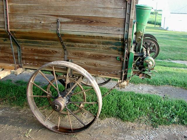 N Deere John Deere 802 Wagon 7...