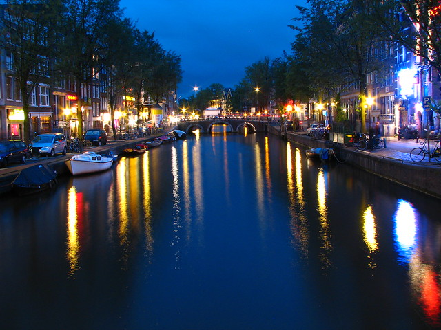 Amsterdam Canal at dusk - Flickr CC runner310