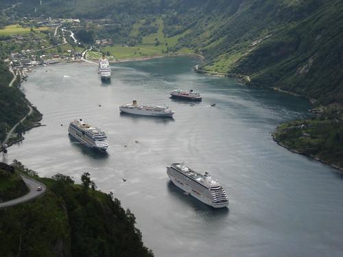 AIDAblu im Hafen von Geiranger / Norwegen by Earlybird 1959