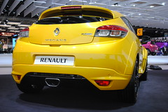 family car(0.0), automobile(1.0), automotive exterior(1.0), renault mã©gane renault sport(1.0), vehicle(1.0), automotive design(1.0), renault mã©gane(1.0), bumper(1.0), hot hatch(1.0), land vehicle(1.0), hatchback(1.0),