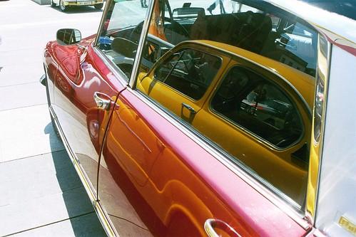 Coche rojo, coche amarillo