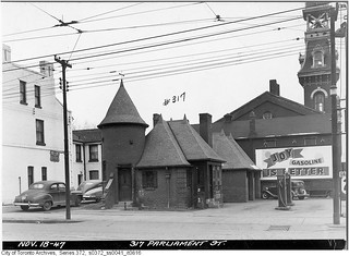 Joy gas station, Dundas and Parliament Streets