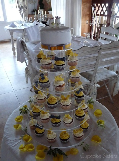 Yellow Grey Wedding Cake flavour Dark chocolate with chocolate ganache