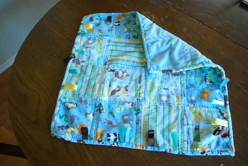 A small taggie blanket, miniature Ollalieberry Ice Cream Quilt