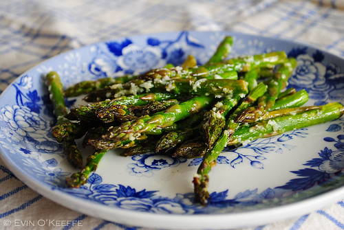 Grilled Garlicky Asparagus