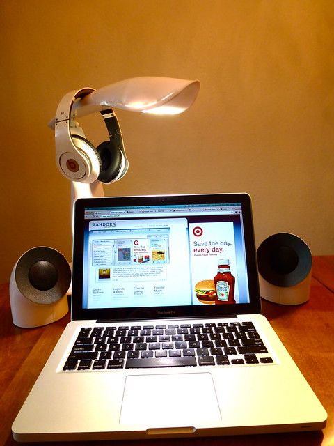 Beats by Dr. Dre, Macbook Pro, Beacon 600 LE by IMG Lighting, LaCie Bobourg by Neil Poulton Speakers