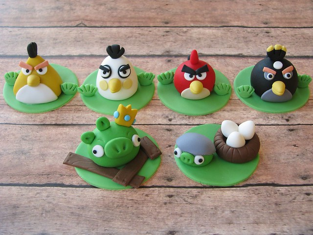 Angry birds cupcake toppers flickr photo sharing for Angry birds cake decoration