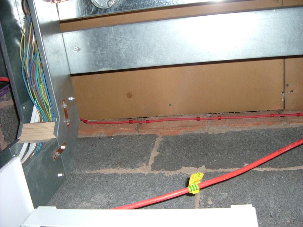 Electrical floor trunking floor trunking 3 bedroom 2 for 13th floor everquest