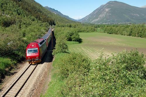 Kun Tyrkia og Albania har treigere jernbane enn Norge. Dette bildet er fra Dovrebnanen. (Foto: NSB)
