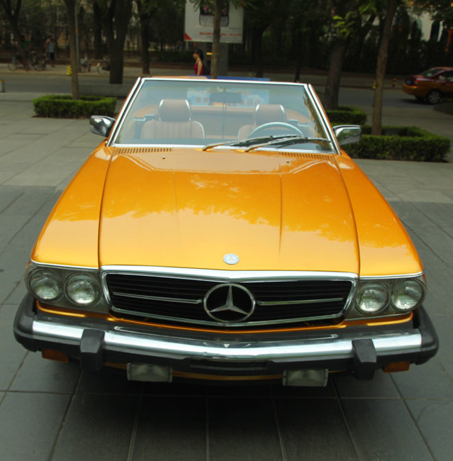 Mercedes 580SL on Sanlitun outside Opposite House Hotel Beijing