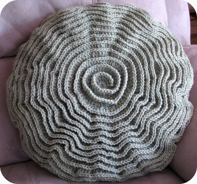 Free Crochet Patterns For Small Pillows : Crochet Ripple Rose Pillow Flickr - Photo Sharing!