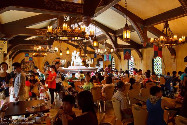 HKDL July 2011 - Royal Banquet Hall
