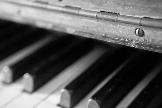 old dusty piano
